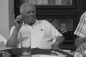 Josef Stránský byl celý svůj dlouhý život fotbalovým nadšencem, hrával, trénoval, funkcionařil ve svých milovaných Robousích, funkcionařil také v okresním fotbalovém svazu na sportovně technickém úseku.