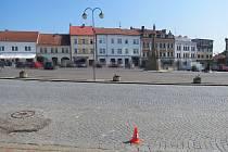Policisté hledají svědky nehody, která se stala minulý čtvrtek na náměstí v Hořicích.