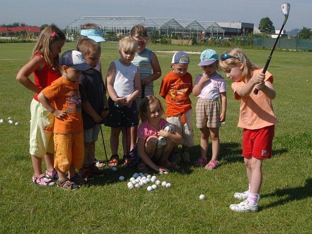 Golf je hra vhodná pro všechny generace.