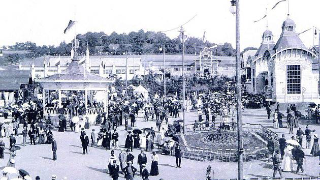 Výstava v Hořicích roku 1903 fotografovaná z oken Daliborky.