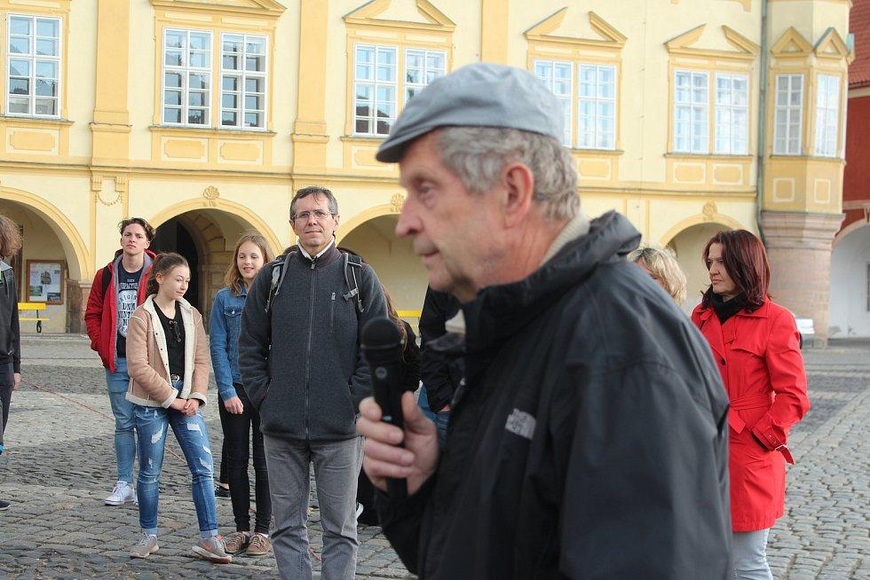 Demonstranti požadovali demisi Benešové a odchod Babiše.