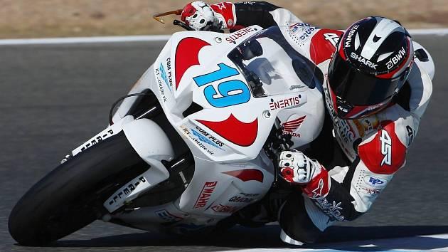 Jezdec jičínského týmu SMS RACING Kevin Wahr na španělském okruhu Jerez de la Frontera.