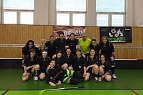 FLORBALOVÉ B družstvo jičínských žen v rámci dvou utkání v Hořicích.