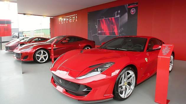 Ferrari. Ilustrační foto