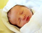 JINDŘICH GOLL se usmívá na svět od 4. září. Po narození vážil  2,75 kg a měřil 48 cm Šťastní rodiče Kateřina a Oldřich Gollovi žijí  s malým Jindrou v Holíně.