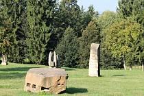 Hořický sochařský park s díly ze sympozií.