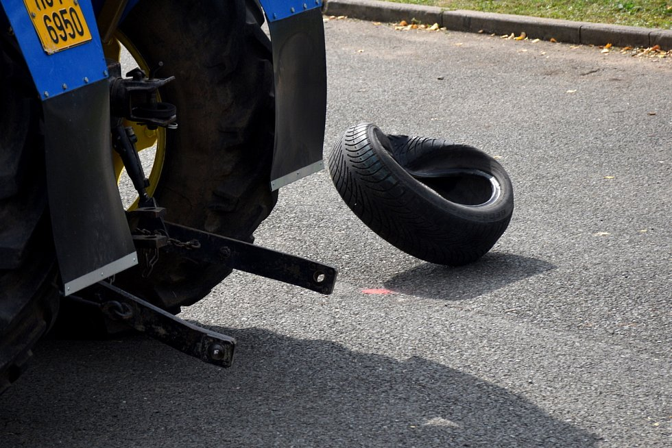 Na sraz Zetorů v Ohnišťanech přijelo přes 60 traktorových veteránů