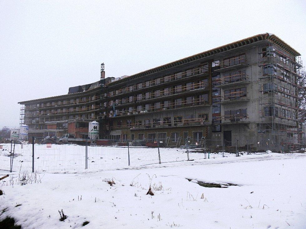 Z výstavby bělohradského lázeňského areálu Strom života - únor 2009.