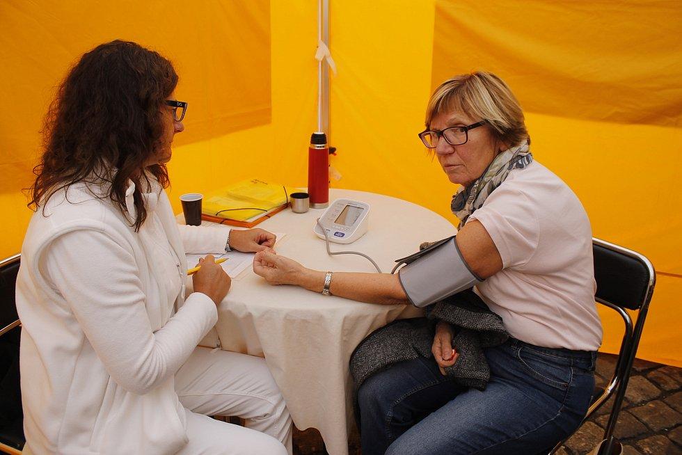 Liga proti rakovině přijela do Jičína s putovní výstavou.
