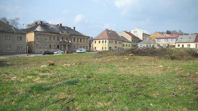 Staveniště Lidlu v Hořicích.
