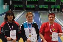 Nejlepší trio žen z mistrovství Královéhradeckého kraje. Zleva Šimůnková, Cvejnová a Hrdinová.
