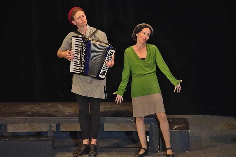 Letos ozvláštnilo Foerstrovy dny divadelní představení o Edith Piaf v podání Divadla Kampa. Foto: archiv města.