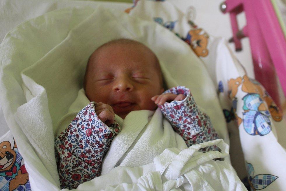 Melanie Miffková se narodila 27. května s mírou 47 cm a váhou 2,28 kg. Radost z narození první dcerky mají rodiče Hana a Lukáš Miffkovi z Lázní Bělohradu.