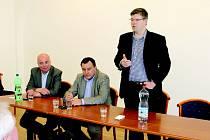 Místopředseda Poslanecké sněmovny a bývalý ministr spravedlnosti Jiří Pospíšil na začátku týdne navštívil Jičín.