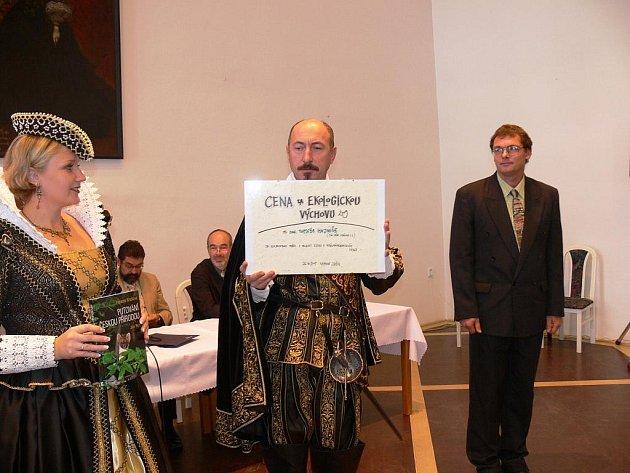 Z 10. setkání ekologů v jičínském Porotním sále za přítomnosti Albrechta z Valdštejna.