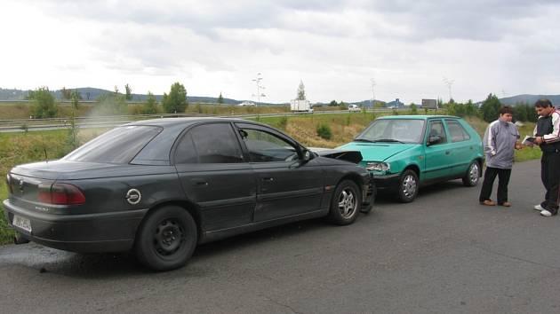 Nehoda v Poděbradově ulici.