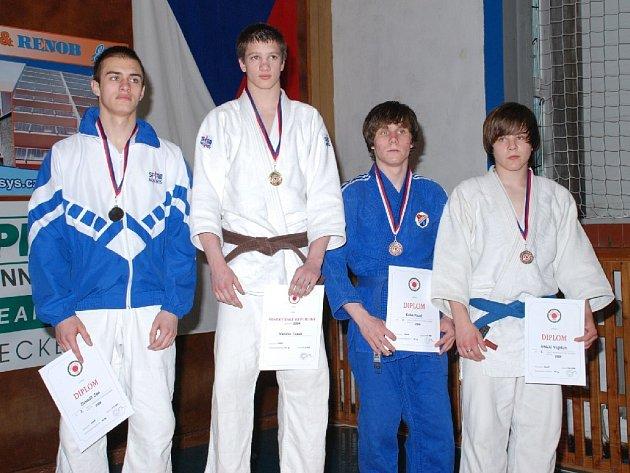 Zlatou medaili a titul Mistra republiky vybojoval pro jičínský klub v kategorii do 60 kg junior Tomáš Vaníček.