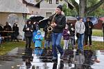 Ani nepřízeň počasí neodradila návštěvníky tradičních Slavností holovouských malináčů.
