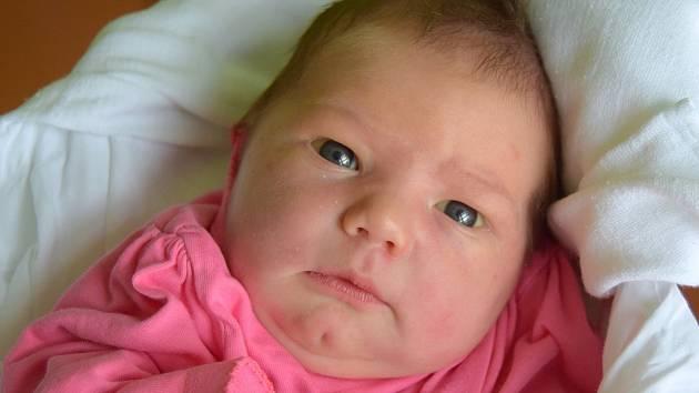 Terezka Kordíková přišla na svět 18. května s mírou 51 cm a váhou 3,82 kg. Rodiče Romana a David Kordíkovi si dcerku odvezou do Mnichova Hradiště, kde už se těší bráška Jakub.