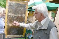 Prezentace bělohradských včelařů.