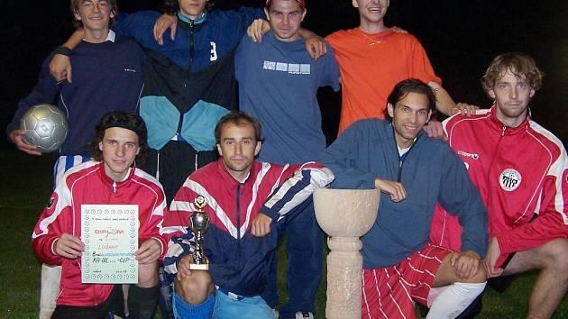 Vítězný tým Lužan měl z výsledku velkou radost.