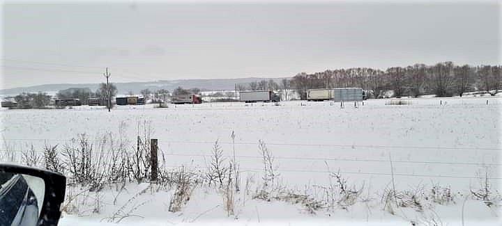 Pondělní dopoledne na Sobotecku, kde stojí kamiony směrem na Mladou Boleslav