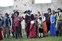 Dobývání hradu Pecka.