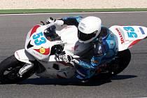 JEZDEC  jičínského týmu COM PLUS RACING Valentin Debise na snímku v Portugalsku v roce 2012.