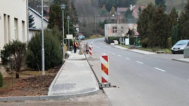 Výstavba chodníku v Dolní Nové Vsi.