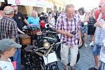 Na tři dny se sjely do Jičína automobily, vyrobené do roku 1918 a motocykly na řemenový pohon. Ojedinělou akci Loukotě a řemeny v Jičíně zakončí dnešní vyjížďka do Sobotky.