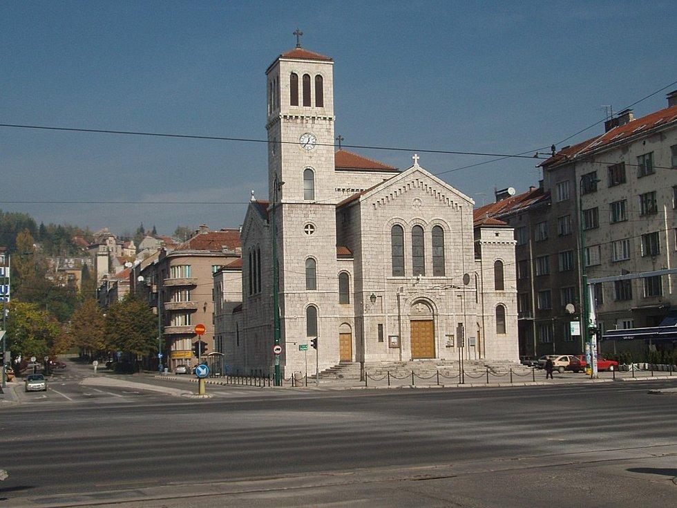 Na náměstí Karla paříka v Sarajevu stojí jeho poslední stavba, kostel sv. Josefa.
