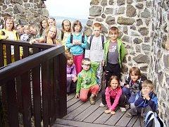 Děti ze ZŠ Dobrá Voda: škola v přírodě.