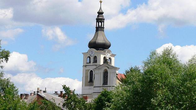 Hořický kostel Narození Panny Marie.