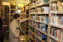 Ze sklepení jičínské knihovny.