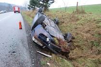 Nehoda oktávie u Bělé u Pecky.