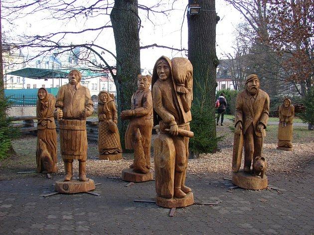 Dřevěné sochy ve Vrchlabí.