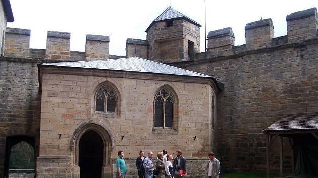 Hrad Kost je památkou i zajímavou kulturní institucí.