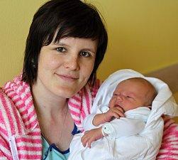 DANIEL KAUCKÝ přišel na svět 9. dubna. Po narození měřil 51 cm  a vážil 4,00 kg. Rodiče Martina Boháčková a Lukáš Kaucký žijí  s Danielkem a dvouletým Tomáškem v Jičíně.