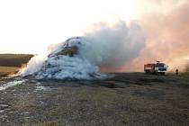 Požár stohu slámy v Borku.