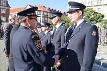 Vyznamenání hasičů u příležitosti státního svátku.
