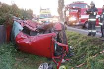 U obce Roudnice došlo ke střetu dvou osobních vozidel a kamionu v pondělí 6. září.