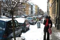 Jičínská Tyršova ulice po ořezu stromů.
