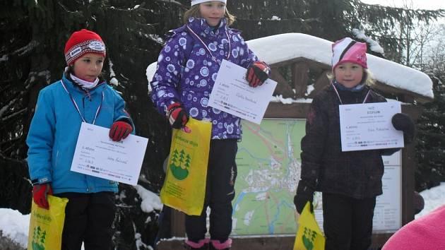 MILOVICKÝ TALENT předžákyně Eliška Peterková stanula v sobotu ve Špindlerově Mlýně na nejvyšším stupni dalšího závodu Poháru Královéhradeckého kraje v běhu na lyžích.