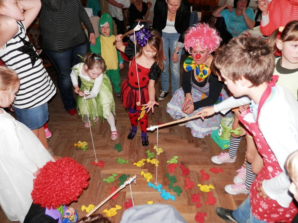 Maškarní karneval v Nemyčevsi.