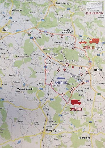 Objízdná trasa kvůli uzavírce železničního přejezdu vOstroměři od 2.do 8.dubna.