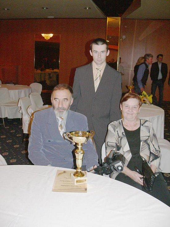 David Vondráček s rodiči.