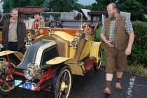 Jan Zápotocký se svým Renaultem EK  1914.
