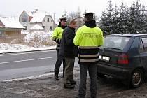 Akce policistů zaměřená na bezpečnostní pásy.