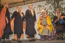 Na bělohradském folklorním festivalu vystoupily také exotické soubory.
