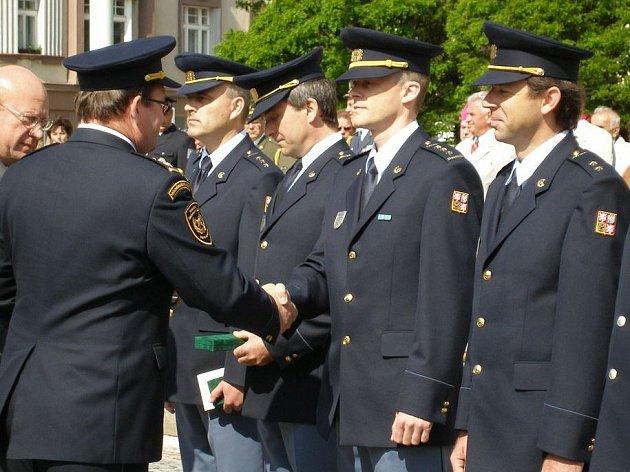 Vyznamenaní hasiči.